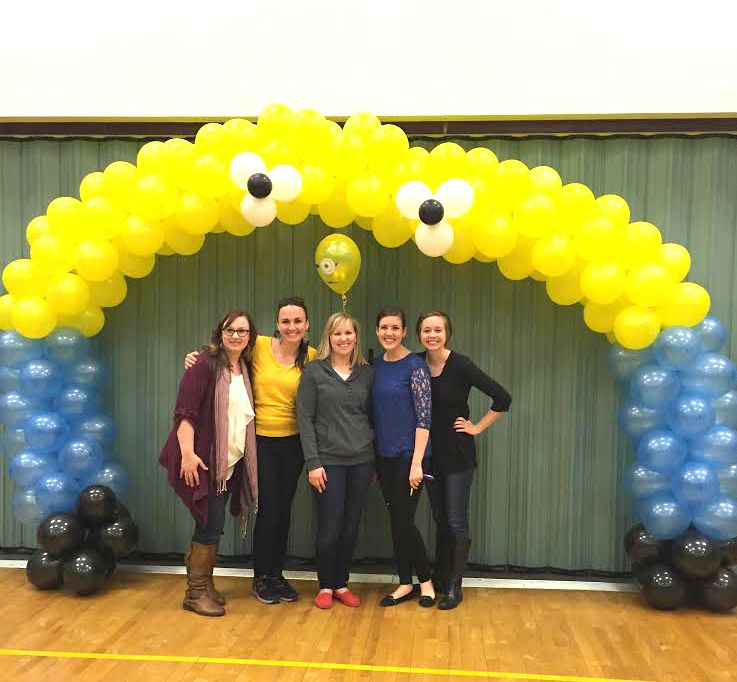 minion-balloon-arch